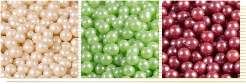 decorazioni sferiche perlate oro rosso verde, pregi e confetti