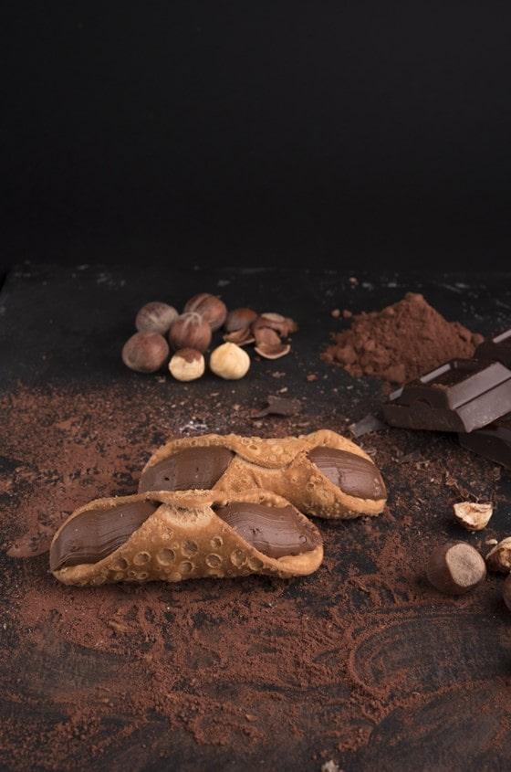 cannoli cioccolato, positano forno e cremeria