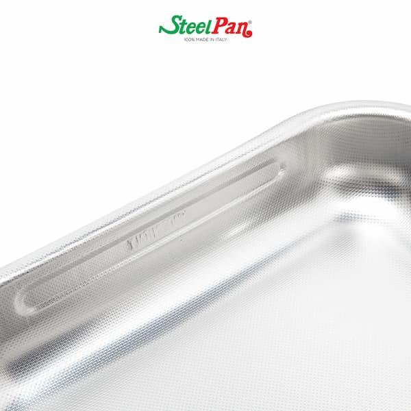 particolare teglia, steel pan